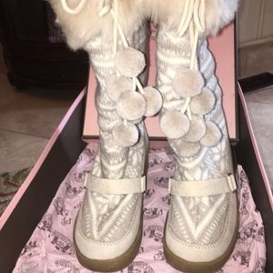 JUICY COUTURE SNOWBALL WEDGE BOOTS